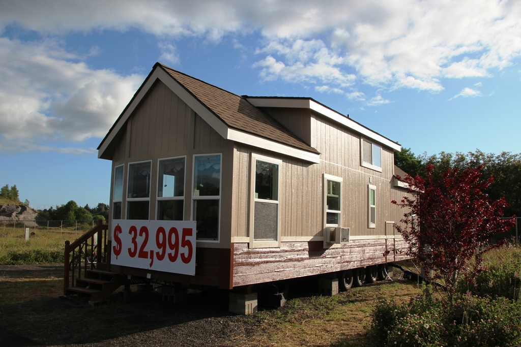 modular mobile homes with Mobile House on Sledhaus Luxury 572 Square Feet in addition 10 Amazing Country Homes You Can Build For Under 65k besides Log Cabins Mobile Homes Look Like Quotes 2 furthermore Mobile House additionally Buccaneerfarmhouse.