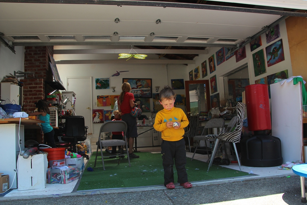 garages and houseboats global mobile family