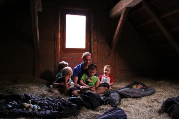 Global Mobile Family - Asleep in the hay 1