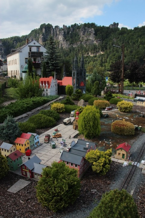 Model Railway World